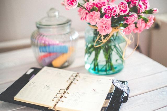 organizátor a květina.jpg
