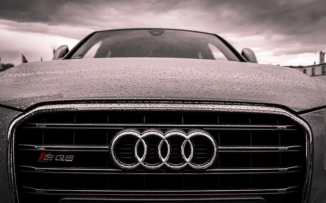 mokré audi auto.jpg